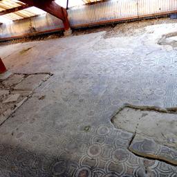 Mosaïque gallo-romaine de Loupiac-33. Source : http://data.abuledu.org/URI/599aa86f-mosaique-gallo-romaine-de-loupiac-33
