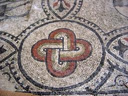 Mosaïque paléochrétienne. Source : http://data.abuledu.org/URI/51bc90ca-mosaique-paleochretienne