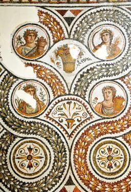 Mosaïque romaine des quatre saisons. Source : http://data.abuledu.org/URI/527559fc-mosaique-romaine-des-quatre-saisons