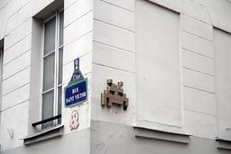 Mosaïques de Space Invaders Rue Saint-Victor à Paris. Source : http://data.abuledu.org/URI/52c20603-mosaiques-de-space-invaders-rue-saint-victor-a-paris