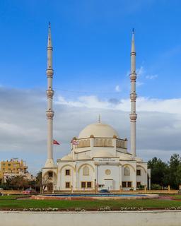 Mosquée d'Osman Fazil à Chypre. Source : http://data.abuledu.org/URI/58cdf0ef-mosquee-d-osman-fazil-a-chypre