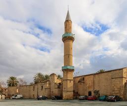 Mosquée Omeriye à Nicosie. Source : http://data.abuledu.org/URI/58ce29c9-mosquee-omeriye-a-nicosie