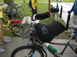 Moufles de cycliste. Source : http://data.abuledu.org/URI/50fdbd37-moufles-de-cycliste