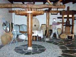 Moulin à huile. Source : http://data.abuledu.org/URI/505a40cb-moulin-a-huile