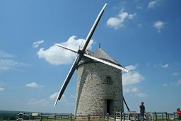 Moulin à vent ailes repliées. Source : http://data.abuledu.org/URI/5383a900-moulin-a-vent-ailes-repliees