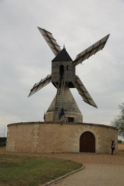 Moulin cavier des Aigremonts à Bléré. Source : http://data.abuledu.org/URI/55dd9831-moulin-cavier-des-aigremonts-a-blere