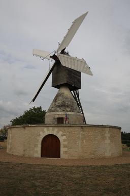 Moulin cavier des Aigremonts à Bléré. Source : http://data.abuledu.org/URI/55dd990a-moulin-cavier-des-aigremonts-a-blere