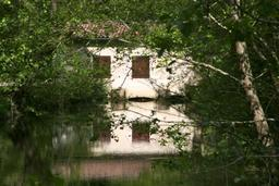 Moulin de Rouillac à Canéjan en Gironde. Source : http://data.abuledu.org/URI/47f533e7-moulin-de-rouillac-a-canejan-en-gironde