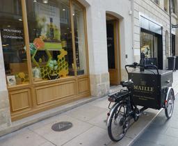 Moutardes Maillé à Bordeaux. Source : http://data.abuledu.org/URI/58270811-moutardes-maille-a-bordeaux