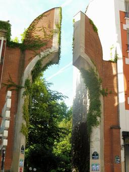 Murs de briques parisiens. Source : http://data.abuledu.org/URI/592f77da-murs-de-briques-parisiens