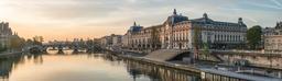 Musée d'Orsay et Pont Royal. Source : http://data.abuledu.org/URI/543934ff-musee-d-orsay-et-pont-royal