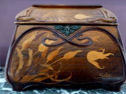 Coffret au musée de l'école de Nancy. Source : http://data.abuledu.org/URI/5818caf9-musee-de-l-ecole-de-nancy
