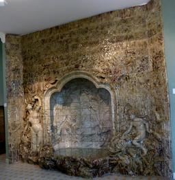 Fontaine au musée de l'école de Nancy. Source : http://data.abuledu.org/URI/5818cf40-musee-de-l-ecole-de-nancy