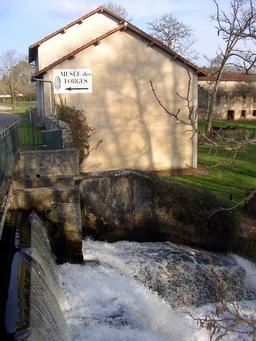 Musée des Forges dans les Landes. Source : http://data.abuledu.org/URI/5074b38a-musee-des-forges-dans-les-landes