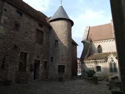 Musée François Pompon. Source : http://data.abuledu.org/URI/52b20360-musee-francois-pompon