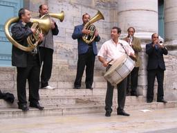 Musiques de Rues 2006 à Besançon. Source : http://data.abuledu.org/URI/594bbc93-musiques-de-rues-2006-a-besancon