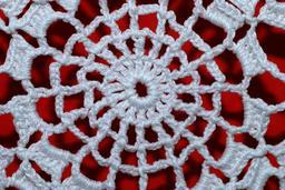 Naperon au crochet. Source : http://data.abuledu.org/URI/5417fb02-naperon-au-crochet