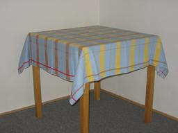 Nappe en tissu. Source : http://data.abuledu.org/URI/50425b85-nappe-en-tissu