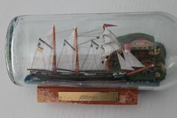 Navire en bouteille. Source : http://data.abuledu.org/URI/51dbf5ed-navire-en-bouteille