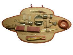 Nécessaire de toilette d'un soldat de 1914. Source : http://data.abuledu.org/URI/5382394a-necessaire-de-toilette-d-un-soldat-de-1914