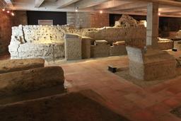 Nécropole Saint-Seurin à Bordeaux. Source : http://data.abuledu.org/URI/55aed517-necropole-saint-seurin-a-bordeaux