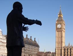 Nelson Mandela et Big Ben. Source : http://data.abuledu.org/URI/52fa5db8-nelson-mandela-et-big-ben