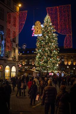 Noël à Strasbourg. Source : http://data.abuledu.org/URI/585db7a1-noel-a-strasbourg