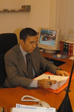 Notaire. Source : http://data.abuledu.org/URI/51b5de33-notaire