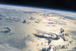 Nuages au-dessus de la Mer des Philippines. Source : http://data.abuledu.org/URI/59229fa3-nuages-au-dessus-de-la-mer-des-philippines