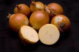 Oignons jaune. Source : http://data.abuledu.org/URI/47f44840-oignons-jaune