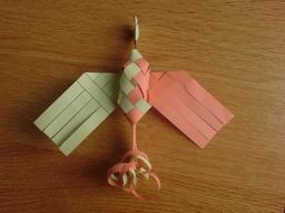 Oiseau de paradis en origami 7. Source : http://data.abuledu.org/URI/52f16ddf-oiseau-de-paradis-en-origami-7
