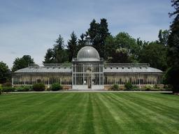 Orangerie du jardin Massey à Tarbes. Source : http://data.abuledu.org/URI/5103cbd7-orangerie-du-jardin-massey-a-tarbes