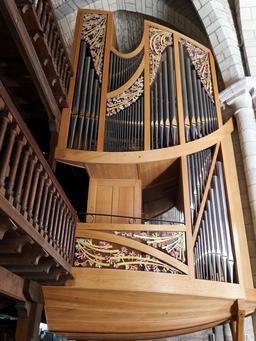 Orgue de la Basilique Saint-Sauveur de Rocamadour. Source : http://data.abuledu.org/URI/535c0e53-orgue-de-la-basilique-saint-sauveur-de-rocamadour