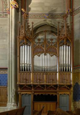 Orgue de la chapelle des Maccabées à Genève. Source : http://data.abuledu.org/URI/53029db0-orgue-de-la-chapelle-des-maccabees-a-geneve