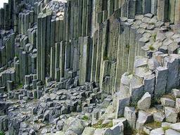 Orgues basaltiques en Bohême. Source : http://data.abuledu.org/URI/50950eb5-orgues-basaltiques-en-boheme