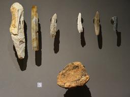 Outils préhistoriques en pierre. Source : http://data.abuledu.org/URI/50731097-outils-prehistoriques-en-pierre