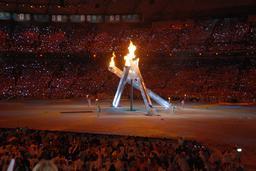 Ouverture des jeux olympiques d'hiver à Vancouver. Source : http://data.abuledu.org/URI/534aa3e4-ouverture-des-jeux-olympiques-d-hiver-a-vancouver