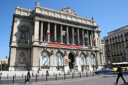 Palais de la Bourse à Marseille. Source : http://data.abuledu.org/URI/5651f5c1-palais-de-la-bourse-a-marseille