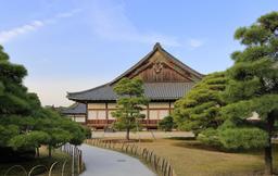 Palais japonais de Ninomaru. Source : http://data.abuledu.org/URI/59da7483-palais-japonais-de-ninomaru