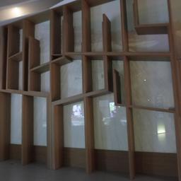 Panneau arrière à la Cité du Vin. Source : http://data.abuledu.org/URI/59f2c69c-panneau-arriere-a-la-cite-du-vin