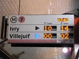 Panneau d'attente dans le métro. Source : http://data.abuledu.org/URI/5339bcfc-panneau-d-attente-dans-le-metro
