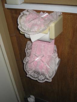 Papier toilette fleuri au Japon. Source : http://data.abuledu.org/URI/59365924-papier-toilette-fleuri-au-japon