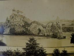 Parc des Buttes-Chaumont. Source : http://data.abuledu.org/URI/59906d05-parc-des-buttes-chaumont