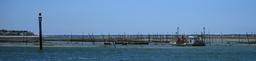 Parcs à huîtres à marée basse. Source : http://data.abuledu.org/URI/55ae2456-parcs-a-huitres-a-maree-basse