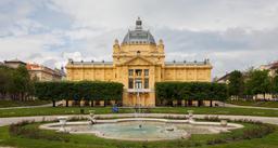 Pavillon des arts à Zagreb. Source : http://data.abuledu.org/URI/5461ed39-pavillon-des-arts-a-zagreb