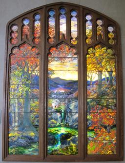 Paysage d'automne par Tiffany. Source : http://data.abuledu.org/URI/551be230-paysage-d-automne-par-tiffany