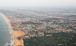 Paysage littoral urbanisé en Inde. Source : http://data.abuledu.org/URI/50e0d3b3-paysage-littoral-urbanise-en-inde