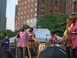 Peformance de l'orchestre sénégalais Baobab à New York. Source : http://data.abuledu.org/URI/54886888-peformance-de-l-orchestre-senegalais-baobab-a-new-york