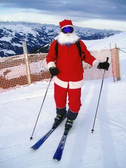 Père Noël sur skis à Adelboden. Source : http://data.abuledu.org/URI/52b2c11c-pere-noel-sur-skis-a-adelboden