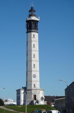 Phare de Calais. Source : http://data.abuledu.org/URI/5359081e-phare-de-calais